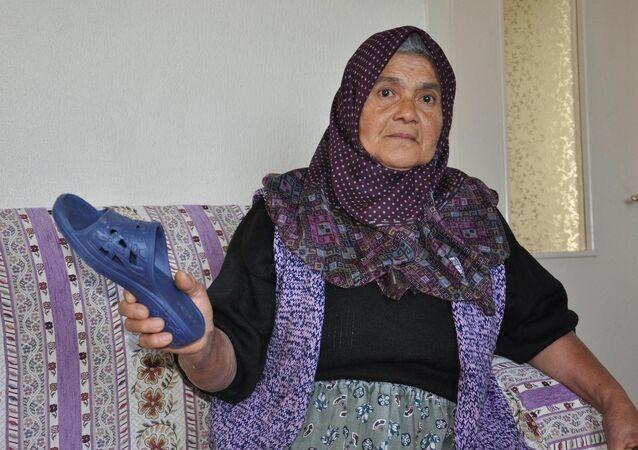 Annenin oğluna fırlattığı terlik 'silah' sayıldı