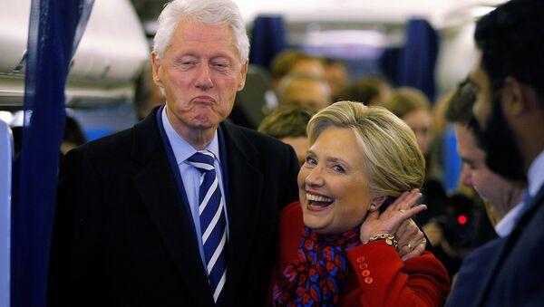 Hillary Clinton - Bill Clinton - Sputnik Türkiye