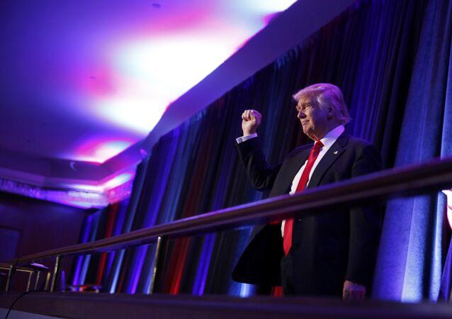 Yeni ABD başkanı Donald Trump, seçim zaferinin ardından destekçilerine seslenirken