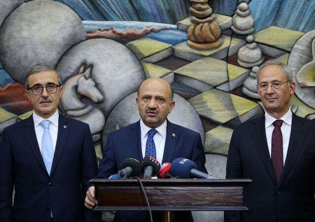 Milli Savunma Bakanı Fikri Işık, HAVELSAN Simülatör Merkezi'ndeki açılış töreninde basın mensuplarının soruları yanıtladı