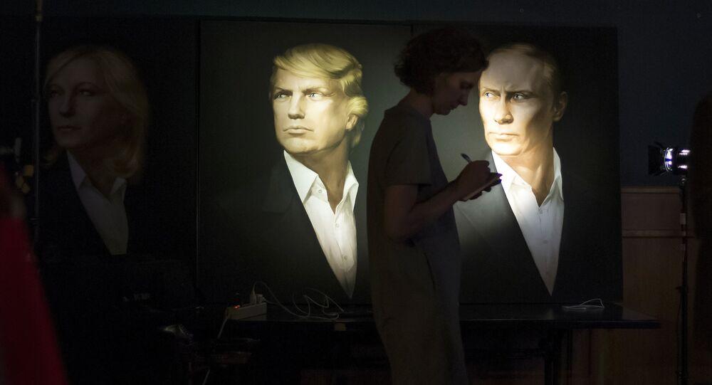 Rusya Devlet Başkanı Vladimir Putin ve ABD'nin 45. Başkanı Donald Trump'ın Moskova'daki bir barda yer alan portreleri