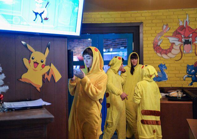Moskova'da Pokemon köyü temalı kafe