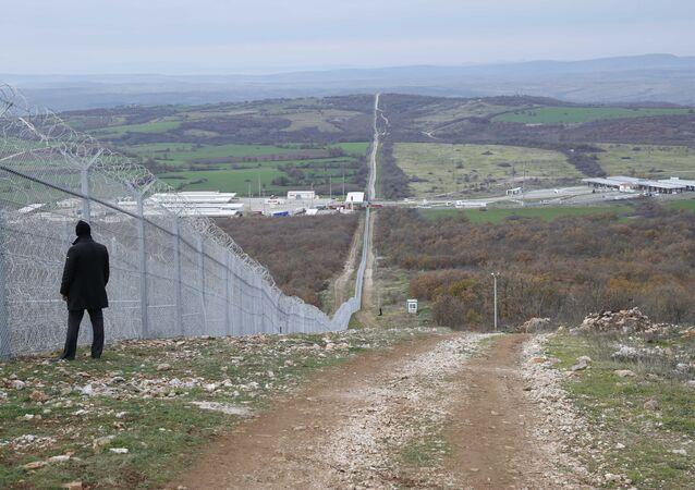 Bulgaristan-Türkiye sınırındaki tel örgü