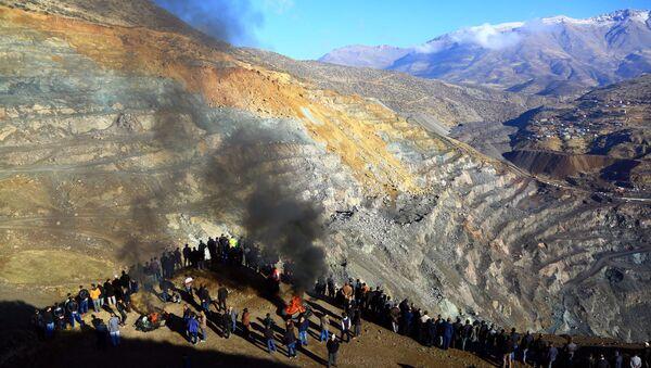 Siirt Şirvan'da özel bir bakır maden ocağında heyelan meydana geldi. - Sputnik Türkiye