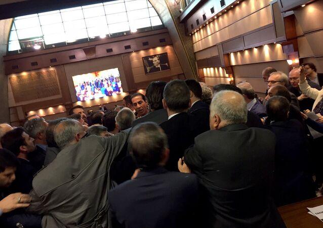 İBB'nin meclis toplantısında 'cinsel istismar' kavgası çıktı