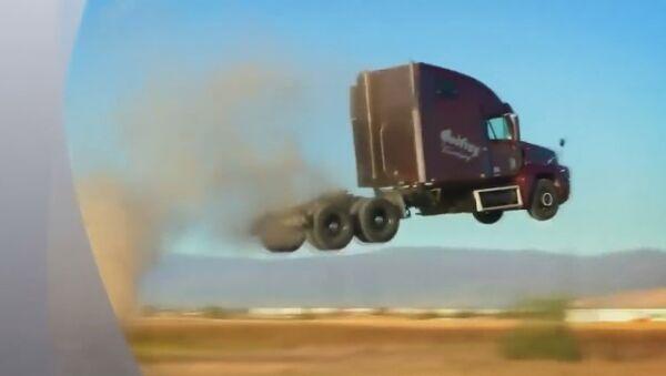 Uçan kamyonlar fizik kurallarına meydan okuyor - Sputnik Türkiye