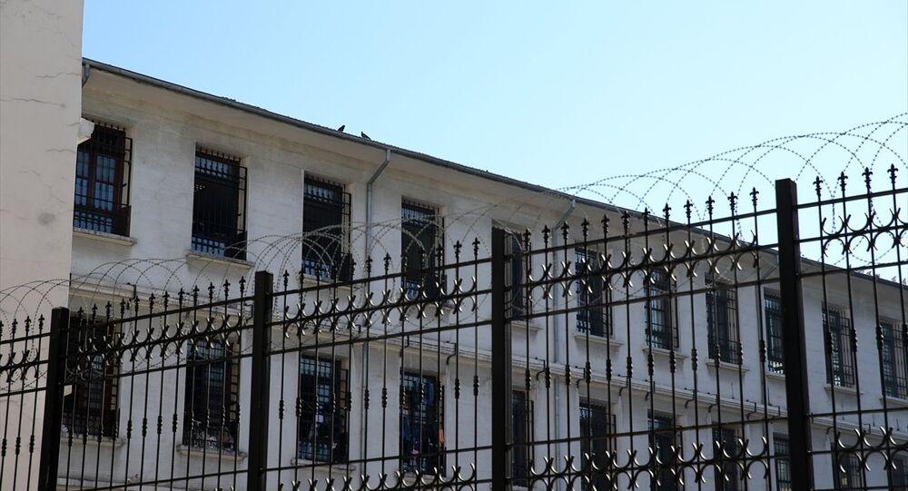 Kumkapı'daki Göç İdare Müdürlüğü Geri Gönderme Merkezi