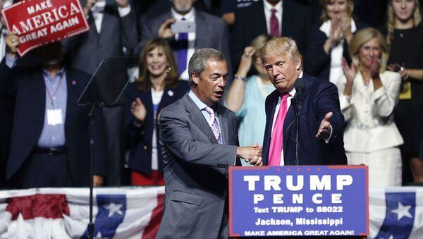 Donald Trump- Nigel Farage - Sputnik Türkiye