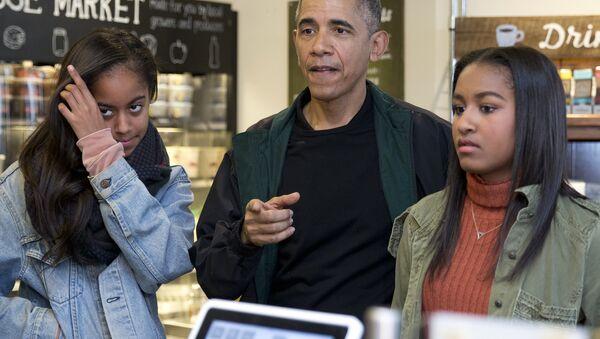 Barack Obama - Malia Obama - Sasha Obama - Sputnik Türkiye