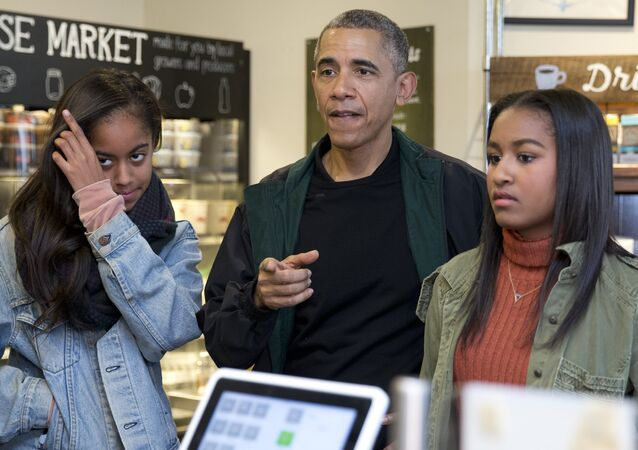 Barack Obama - Malia Obama - Sasha Obama