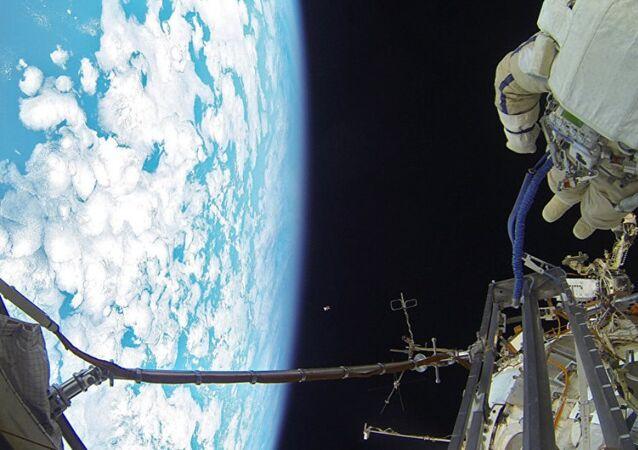 UUİ'deki Cupola modülünden 'Dünya manzarası'