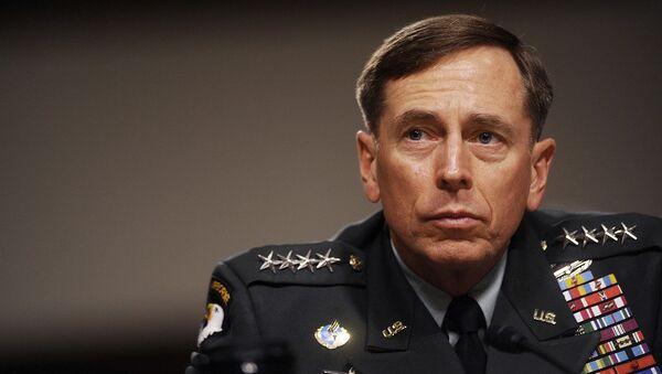 Eski CIA Direktörü David Petraeus - Sputnik Türkiye