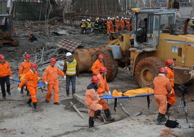 Çin'de elektrik santralı inşaatı çöktü