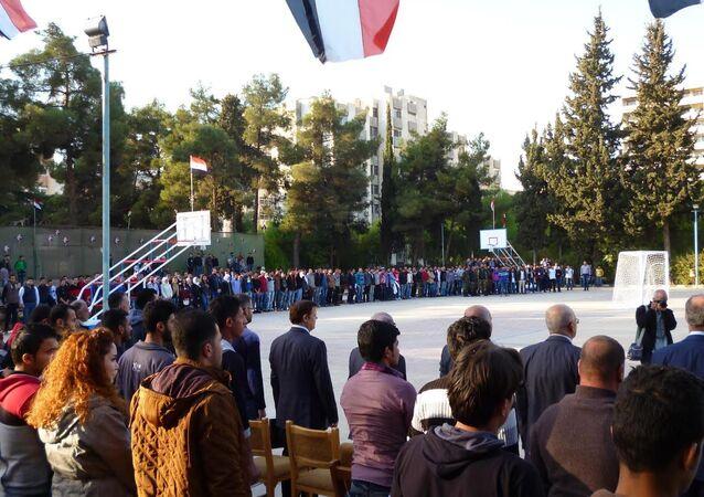 Şam'da barış için düzenlenen futbol maçı