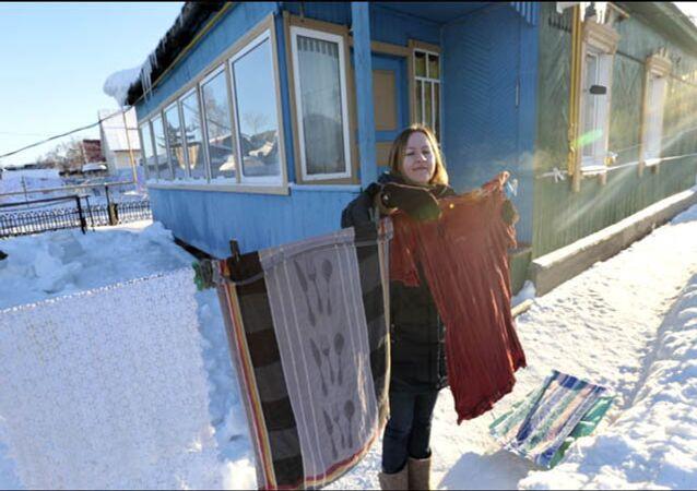 Ruslardan -30 derece havada çamaşır kurutma sanatı