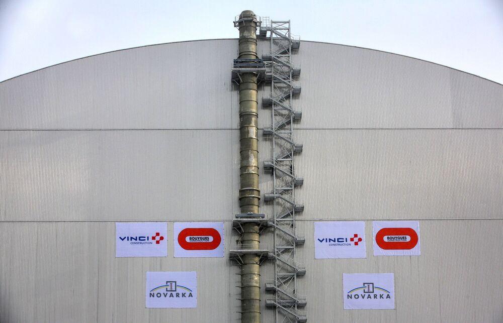 Çernobil nükleer santralinin 4. reaktörü üzerine yapılan yeni taş sanduka.