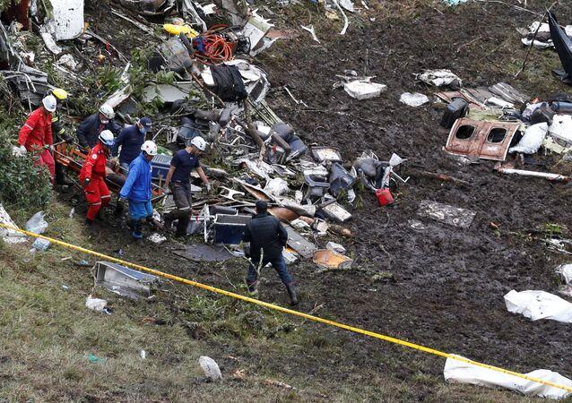 Brezilyalı futbolcuları da taşıyan uçak Kolombiya'da düştü