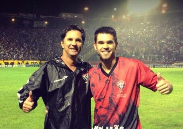 Chapecoense Futbol Takımı teknik direktörü Caio Junior ile oğlu Matheus Saroli