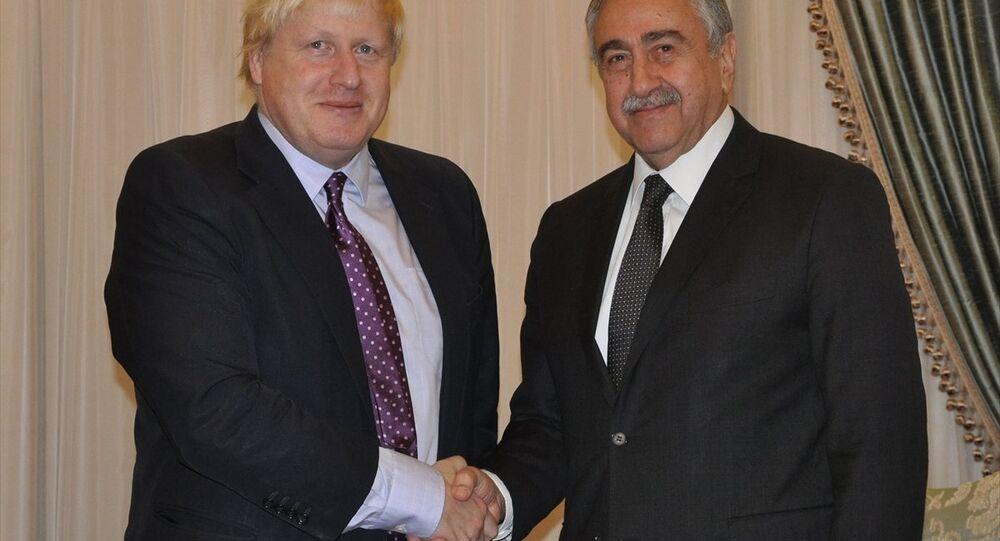 Mustafa Akıncı ve Boris Johnson