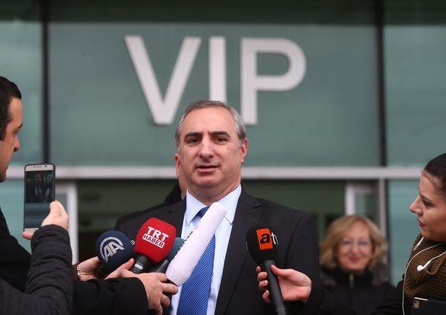 İsrail'in Ankara Büyükelçisi Eitan Naeh, Ankara'ya geldi. Naeh, Ankara Esenboğa Havaalanı VIP çıkışında basın mensuplarının sorularını yanıtladı.