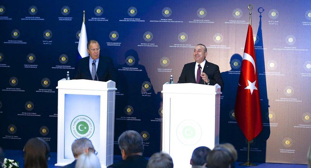 Dışişleri Bakanı Mevlüt Çavuşoğlu ve Rus mevkidaşı Sergey Lavrov (fotoğrafta), Türkiye-Rusya Ortak Stratejik Planlama Grubu Beşinci Toplantısı'nın ardından ortak basın toplantısı düzenledi.