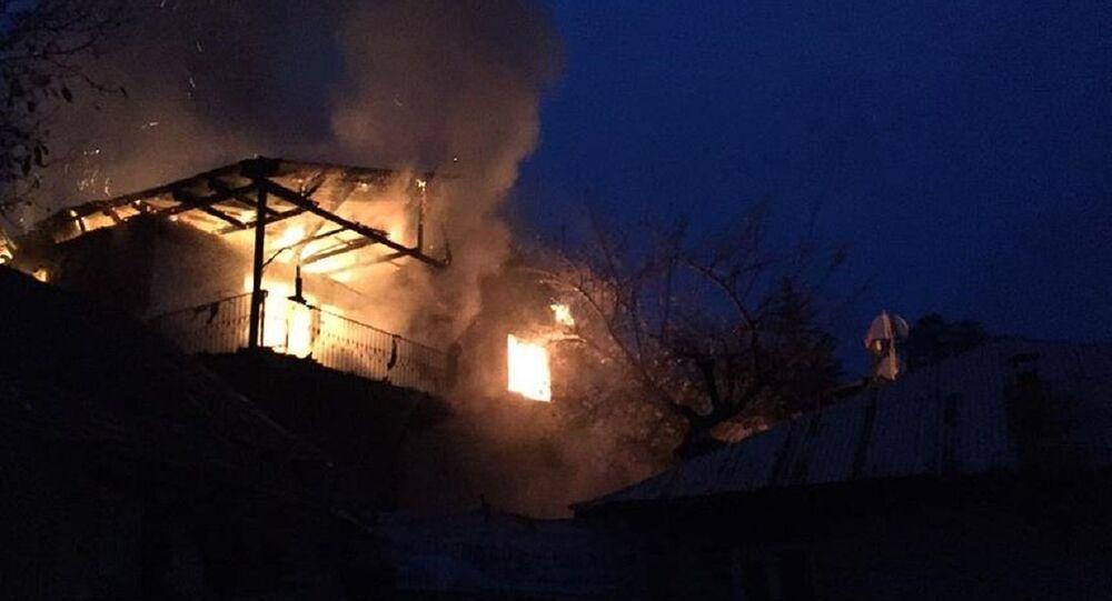 Aladağ'daki evde büyük bir yangın çıktı