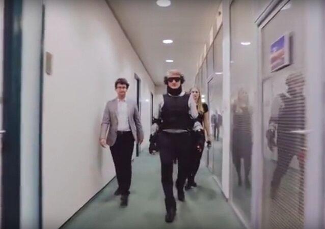 Sberbank başkanı, engelli kılığına girerek bankasını kontrole gitti