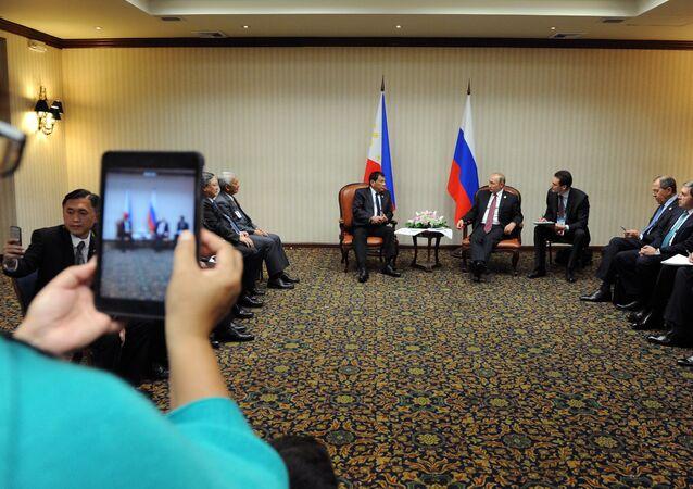 Rusya Devlet Başkanı Vladimir Putin- Filipinler Devlet Başkanı Rodrigo Duterte