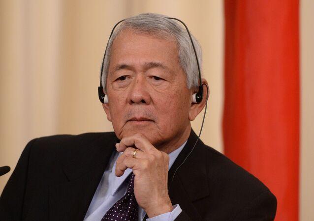 Filipinler Dışişleri Bakanı Perfecto Yasay