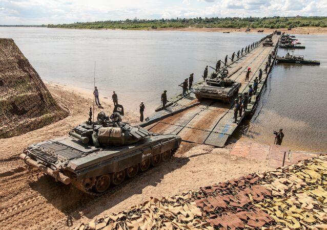 Rus yapımı yüzer köprüler
