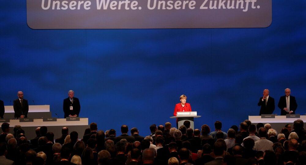 Almanya Başbakanı Angela Merkel, Hristiyan Demokrat Birlik Partisi'nin (CDU) 29. Olağan Genel Kongresi'nde yeniden genel başkanlığa seçildi.