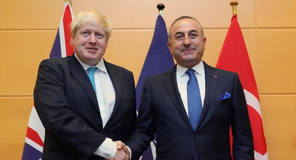 NATO - AB Dışişleri Bakanları toplantısında Dışişleri Bakanı Mevlüt Çavuşoğlu, İngiliz mevkidaşı Boris Johnson ile de görüştü