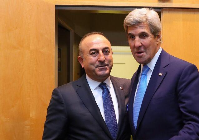 NATO - AB Dışişleri Bakanları toplantısı öncesinde Dışişleri Bakanı Mevlüt Çavuşoğlu, ABD'li mevkidaşı John Kerry ile de görüştü