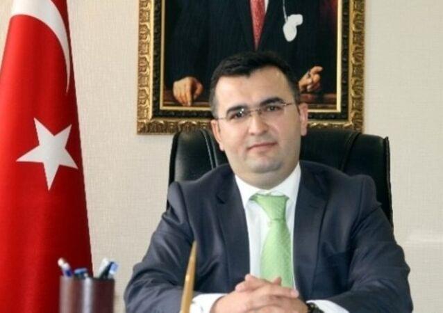 Gümüşhane Vali Yardımcılığı görevine atanan Hüseyin Avcı'nın, FETÖ soruşturması kapsamında tutuklu olduğu ortaya çıktı.
