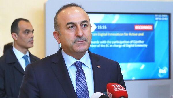 Mevlüt Çavuşoğlu, Brüksel'de basın mensuplarına açıklamada bulundu - Sputnik Türkiye