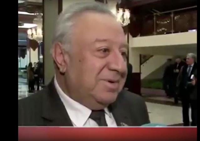 Azeri milletvekilinden krizle ilgili ilginç çözüm önerisi: Et ve balık yemeyin
