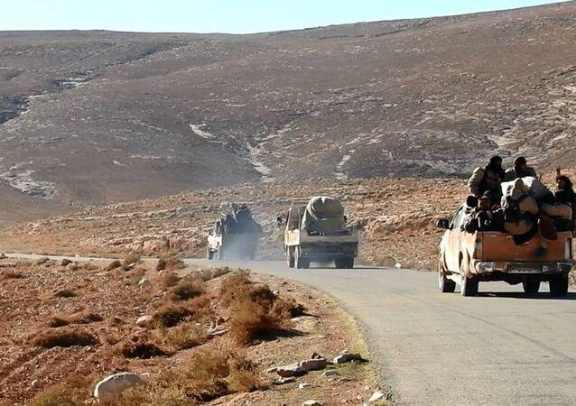IŞİD destekçilerine ait bir internet sitesinde yer alan, terör örgütüne ait araçları gösteren fotoğraflar