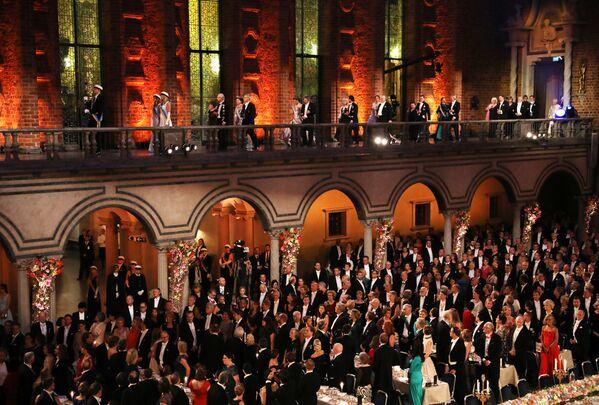 İsveç Kraliyet Ailesi ve Nobel Ödülü sahipleri - Sputnik Türkiye