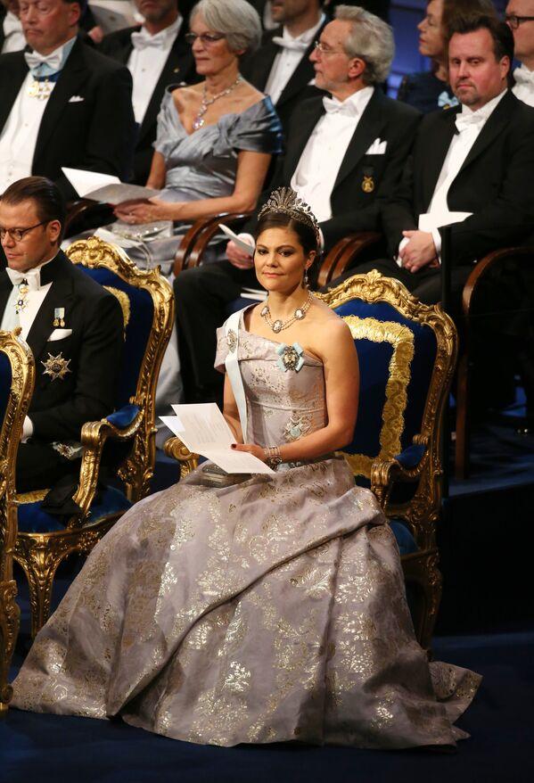 İsveç Veliaht Prensesi Victoria, Stockholm'de tıp, ekonomi, fizik ve kimya alanında öldüllerinin verildiği törende. - Sputnik Türkiye