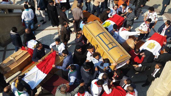 Kahire'deki saldırıda ölenlerin naaşları taşınıyor - Sputnik Türkiye