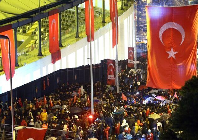 İstanbul'daki terör saldırısına tepki - taraftar yürüyüşü