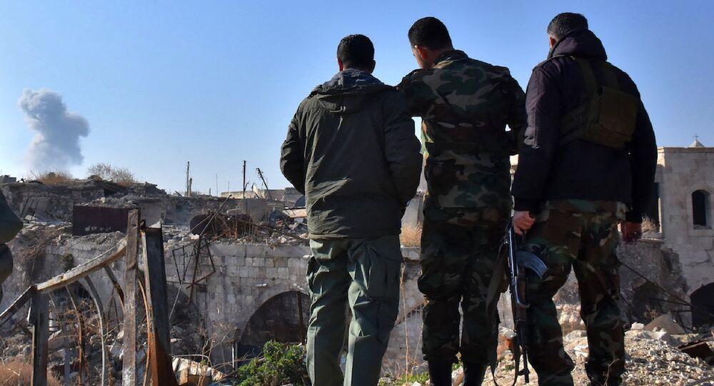 Halep'teki Suriye ordusu askerleri