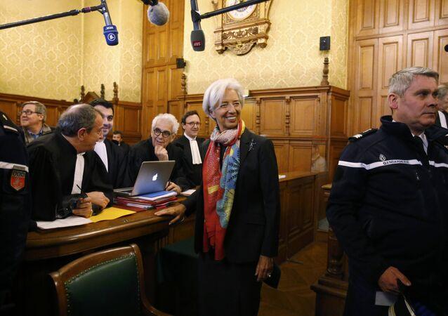 IMF Başkanı Christine Lagarde hakim karşısında