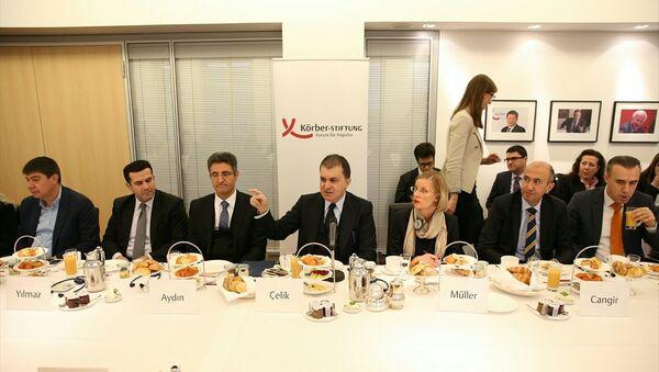 Avrupa Birliği Bakanı ve Başmüzakereci Ömer Çelik, Almanya'daki temasları kapsamında Körber Vakfınca düzenlenen toplantıya katıldı. - Sputnik Türkiye