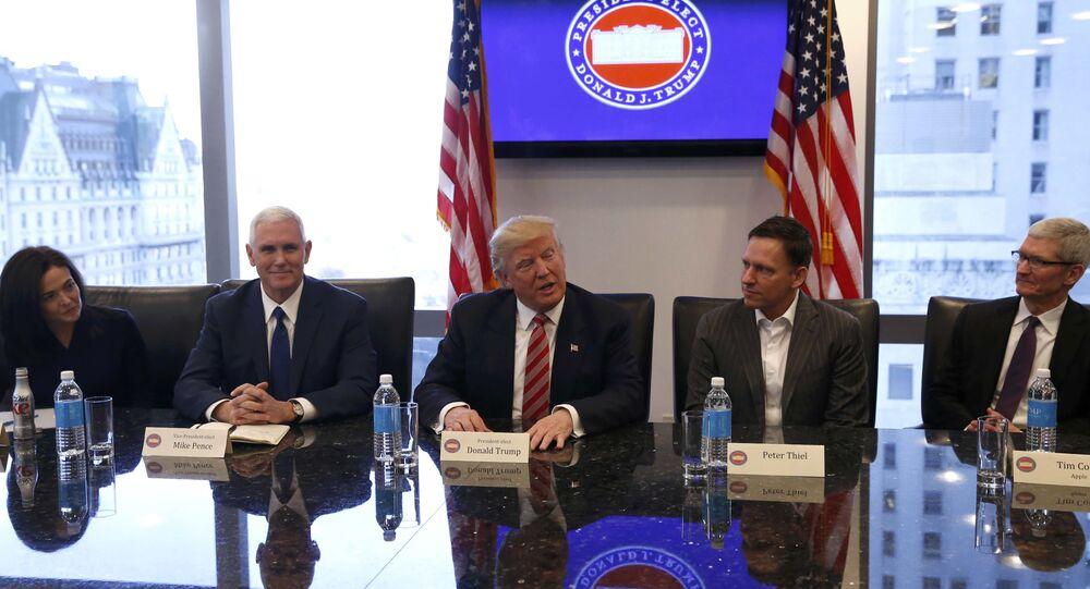 Trump, ABD'li teknoloji devlerinin yöneticileriyle buluştu