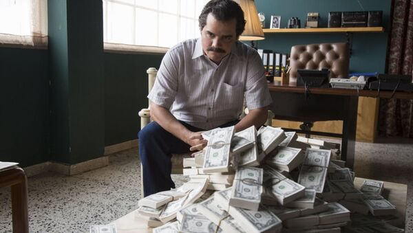 Kolombiyalı uyuşturucu kaçakçısı Pablo Escobar'ı konu alan Narcos dizisi - Sputnik Türkiye