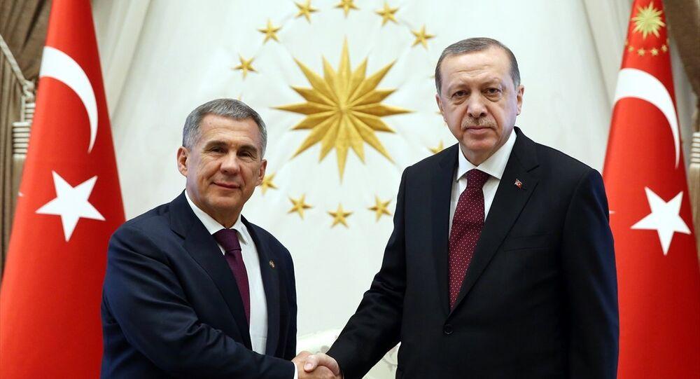 Cumhurbaşkanı Recep Tayyip Erdoğan, Cumhurbaşkanlığı Külliyesi'nde Rusya Federasyonu Tataristan Cumhurbaşkanı Rüstem Minnihanov ile görüştü.