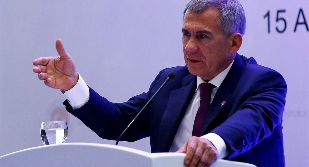 Türkiye-Tataristan İş Forumu, Sheraton Otel'de, Tataristan Cumhurbaşkanı Rüstem Minnihanov ve Ekonomi Bakanı Nihat Zeybekci'nin katılımıyla gerçekleştirildi.