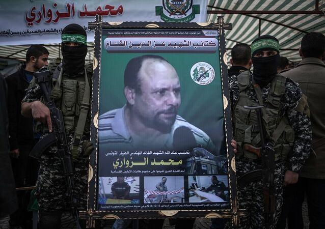 Hamas'ın askeri kanadı İzzeddin el-Kassam Tugayları, kendi mensubu olduğunu duyurduğu, evinin önünde suikasta uğrayan Tunuslu uçak mühendisi Muhammed ez-Zevvari için Gazze'de taziye çadırı kurdu.
