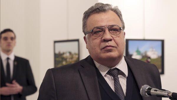 Rusya'nın Ankara Büyükelçisi Andrey Karlov, 19 Aralık 2016'ta Ankara'da uğradığı suikast sonucu hayatını kaybetti. - Sputnik Türkiye